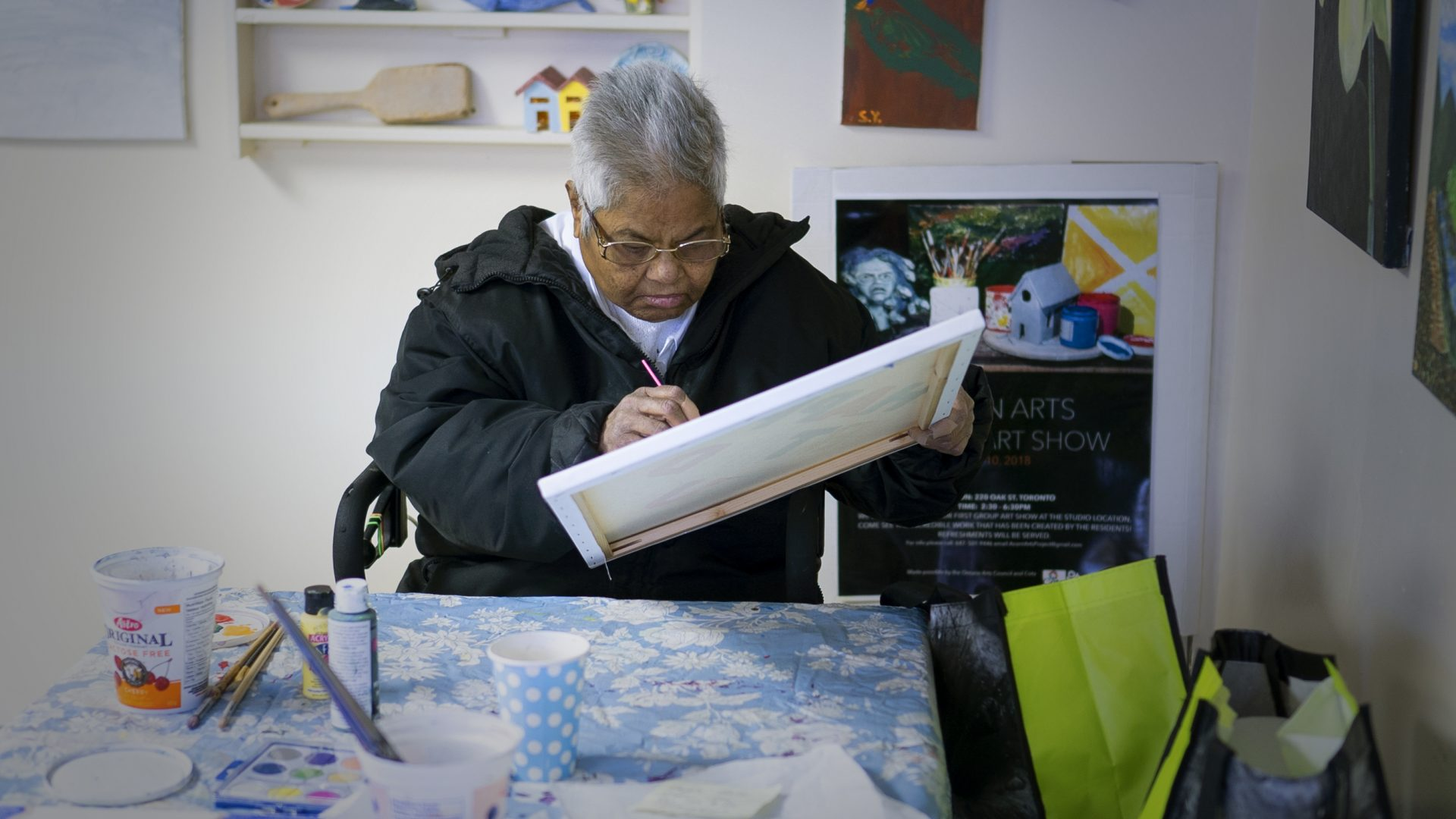 Residents attending Acorn Arts Project studio at 220 Oak Street, HHC Program